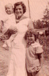 Dorothy Berlin, daughters Barbara and Harriet