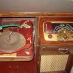 Image of 1940s Zenith Radio Phonograph combo